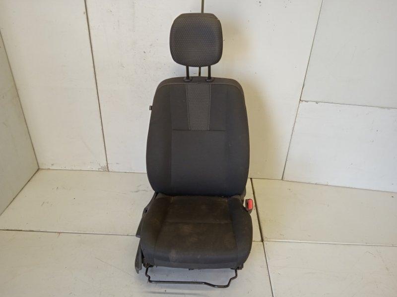 Сиденье переднее правое Renault Fluence 1.6 2011 (б/у)