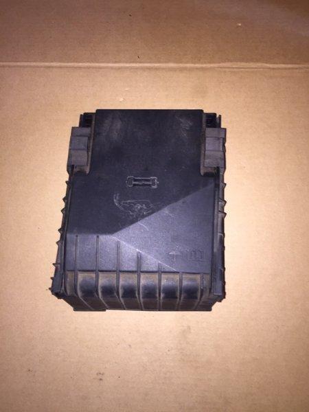 Крышка блока предохранителей Volkswagen Passat B6 2.0 TDI 2009 (б/у)