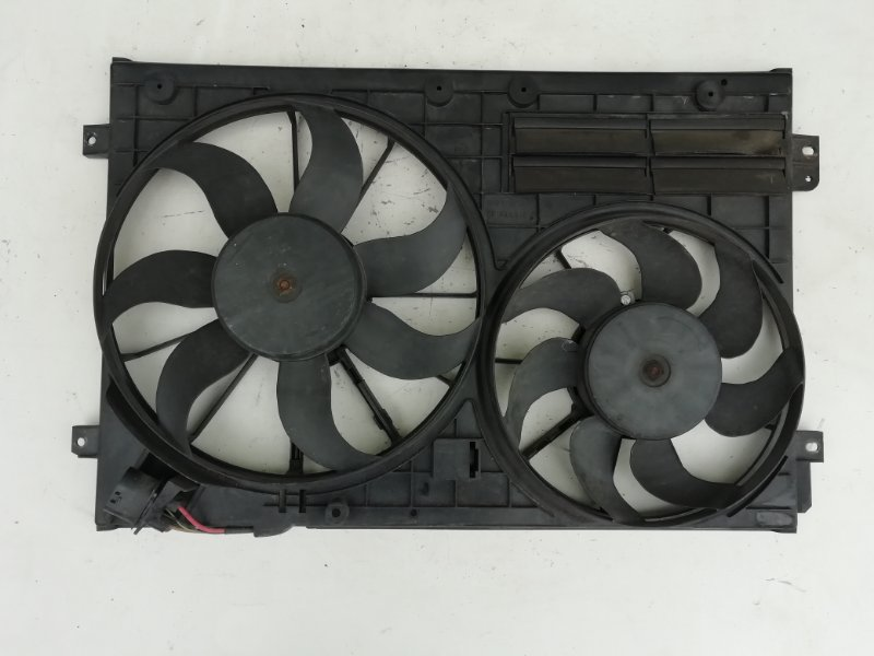 Вентилятор радиатора Volkswagen Passat B6 2.0 TDI (б/у)