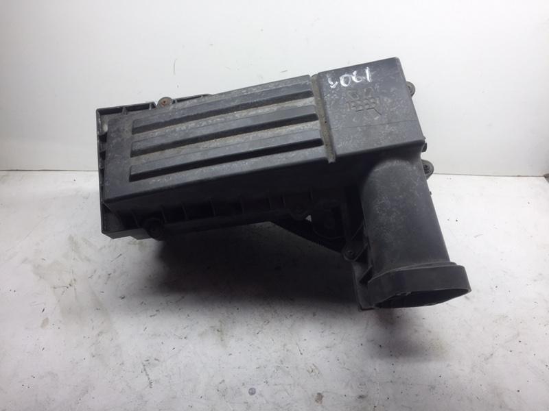 Корпус воздушного фильтра Volkswagen Passat B7 (б/у)