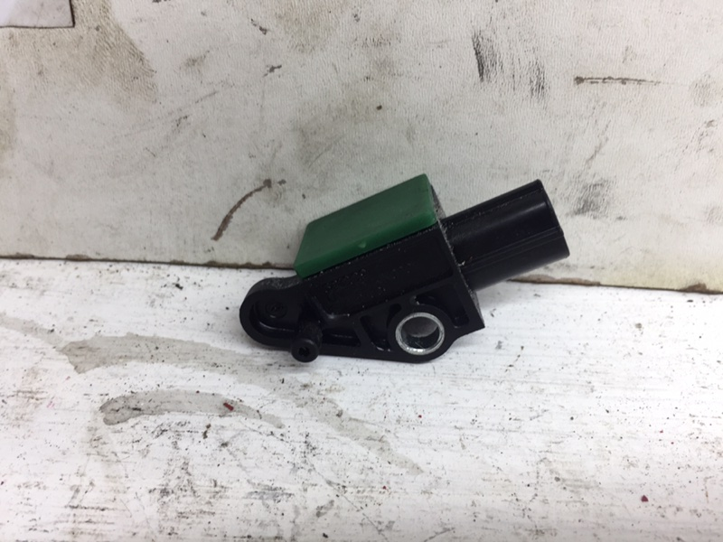 Датчик удара Volkswagen Passat Cc 2.0 TFSI (б/у)