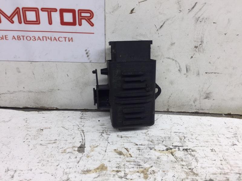 Блок управления подогревом сидений Volkswagen Passat Cc 2.0 TFSI (б/у)