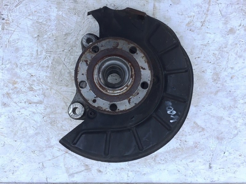 Кулак поворотный Volkswagen Passat Cc 2.0 TFSI передний правый (б/у)