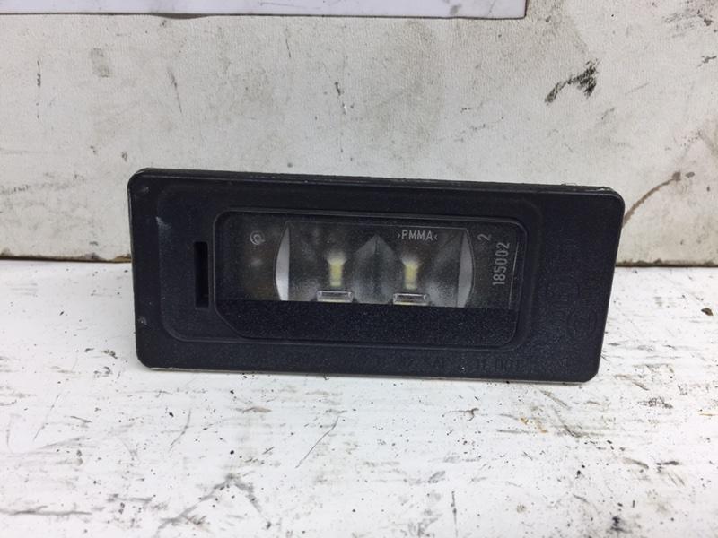 Фонарь освещения номерного знака Volkswagen Passat B7 задний (б/у)