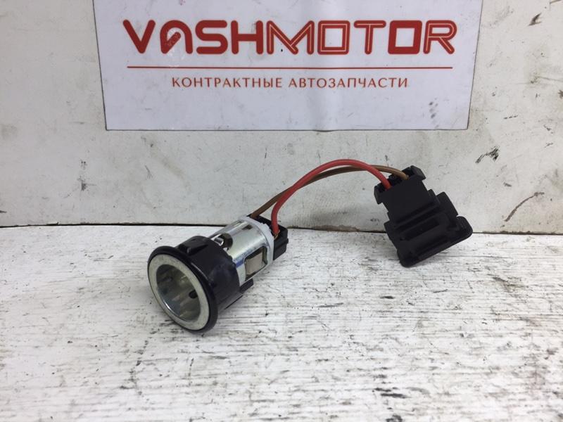Гнездо прикуривателя ( прикуриватель ) Volkswagen Passat Cc 2.0 TFSI (б/у)