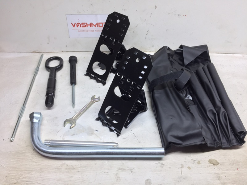 Набор инструментов Audi Q5 3.2 FSI 2010 (б/у)