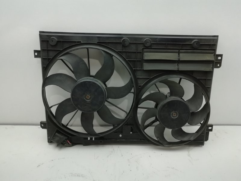 Вентилятор радиатора Volkswagen Passat Cc 2011 (б/у)