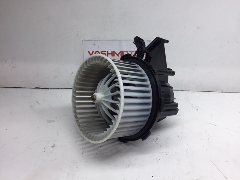 Мотор печки Audi Q5 3.2 FSI 2010 (б/у)