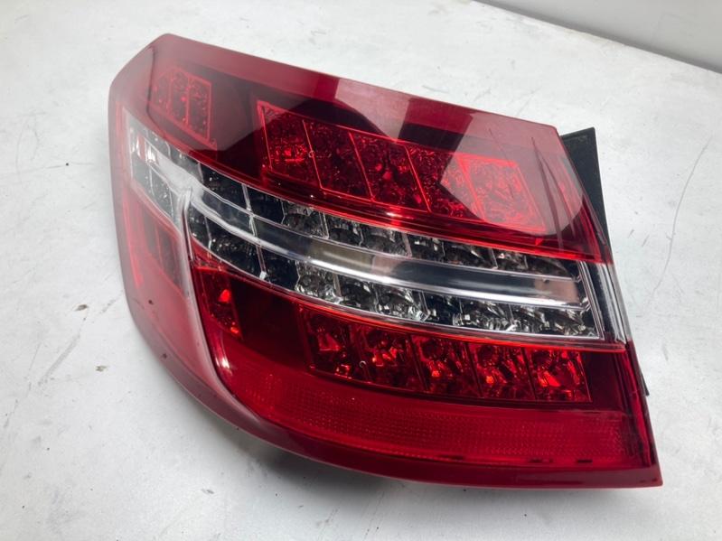 Фонарь задний Mercedes E350 W212 3.5 2011 левый (б/у)