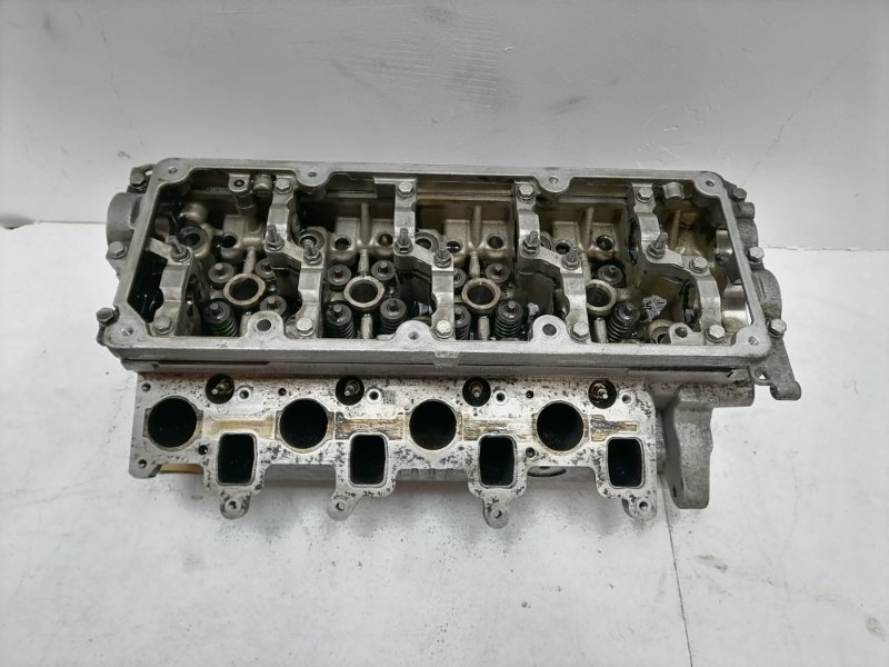 Головка блока цилиндров Volkswagen Passat B6 (б/у)