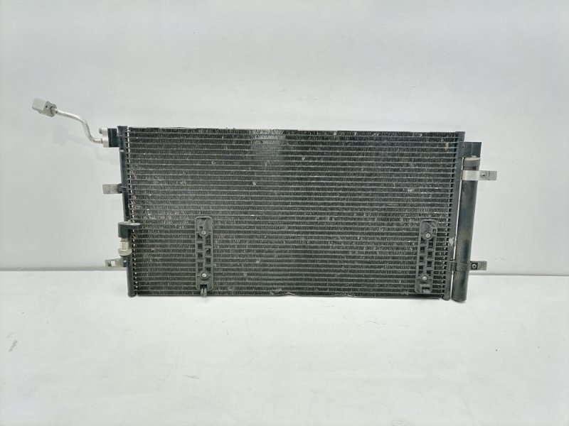 Радиатор кондиционера Audi Q5 3.2 FSI 2010 (б/у)