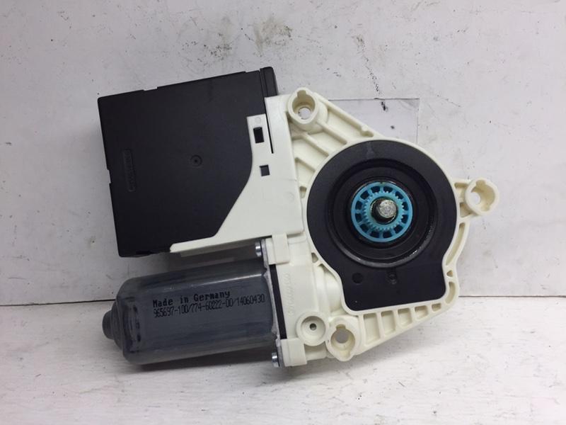Мотор стеклоподъемника Volkswagen Passat Cc 2011 передний правый (б/у)