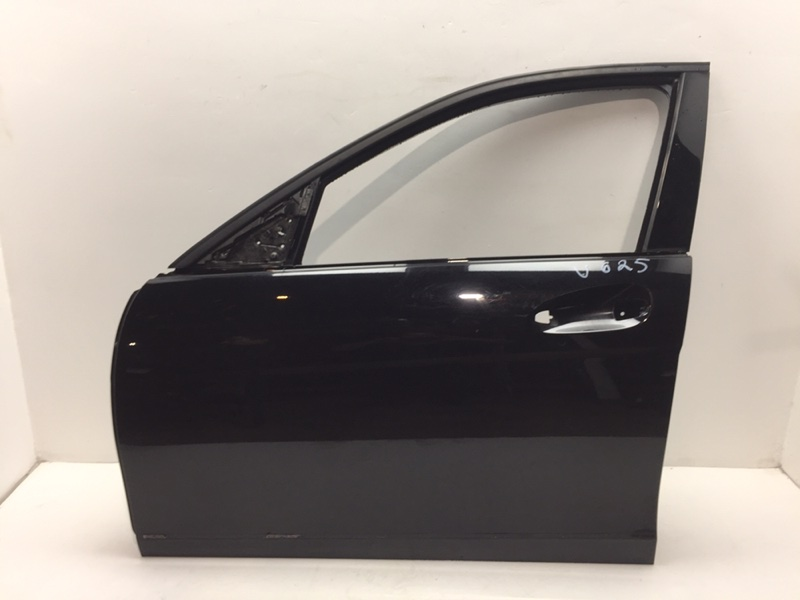 Дверь Mercedes C300 W204 3.5 2014 передняя левая (б/у)