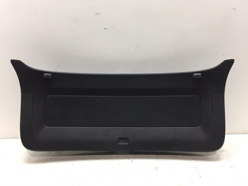 Обшивка крышки багажника Volkswagen Tiguan 2.0 TFSI 2014 задняя нижняя (б/у)