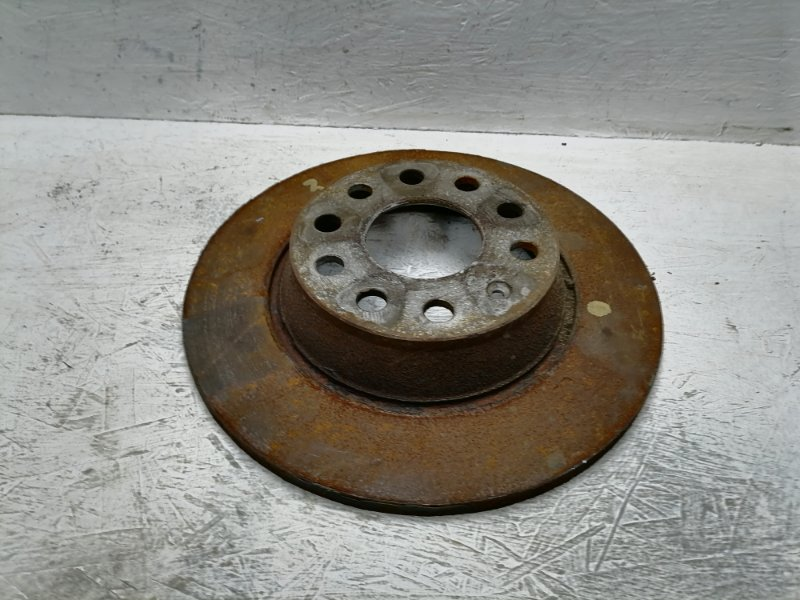Тормозной диск Volkswagen Passat Cc 2.0 TDI задний (б/у)