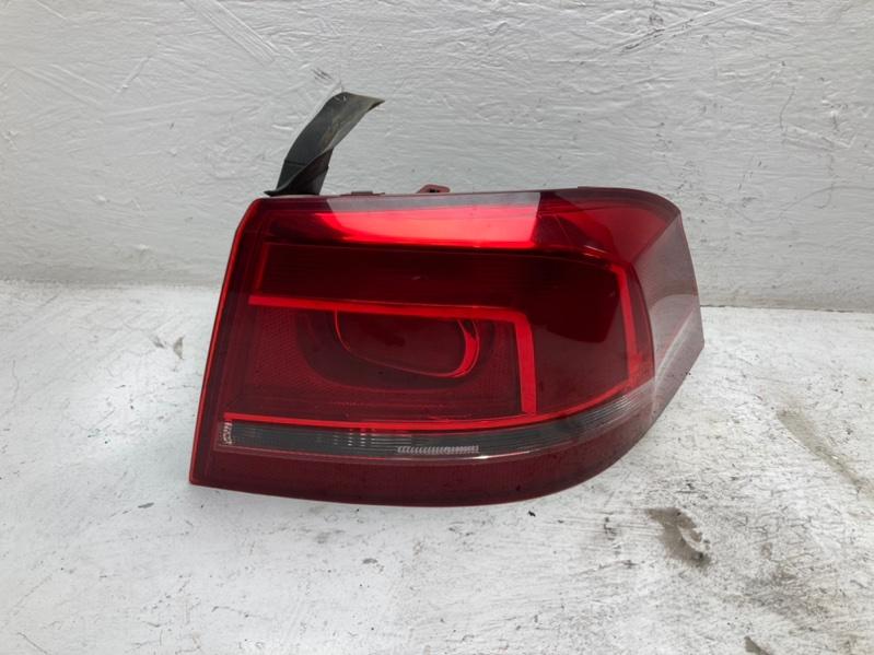 Фонарь задний Volkswagen Passat B7 1.6 TDI 2010 задний правый (б/у)
