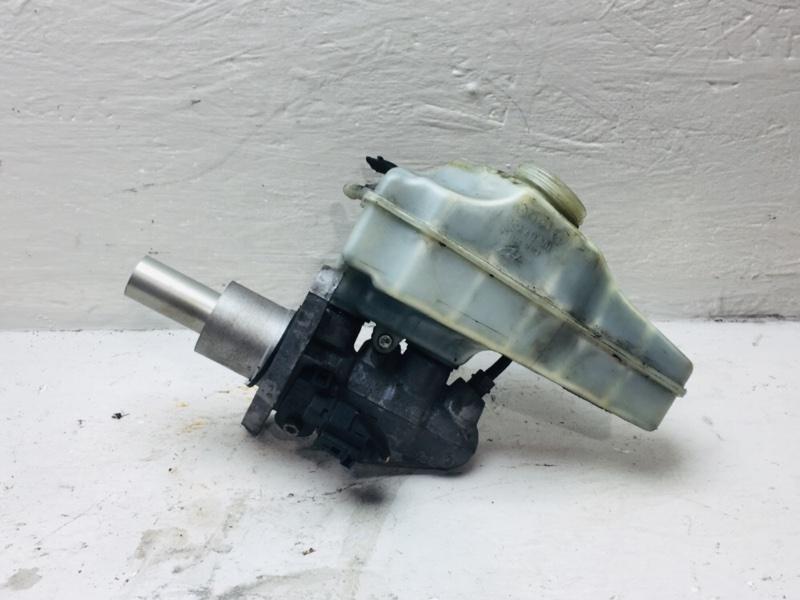 Главный тормозной цилиндр Volkswagen Passat B7 1.6 TDI 2010 (б/у)