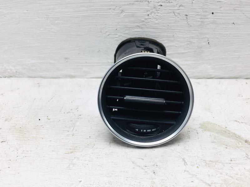 Дефлектор воздушный Mercedes C300 W204 3.5 2012 правый (б/у)