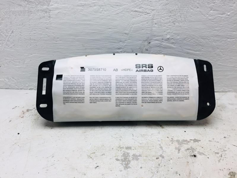 Подушка безопасности пассажира Mercedes C300 W204 3.5 2012 (б/у)