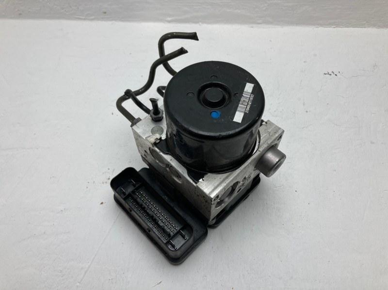 Блок abs Mercedes C300 W204 3.5 2012 (б/у)