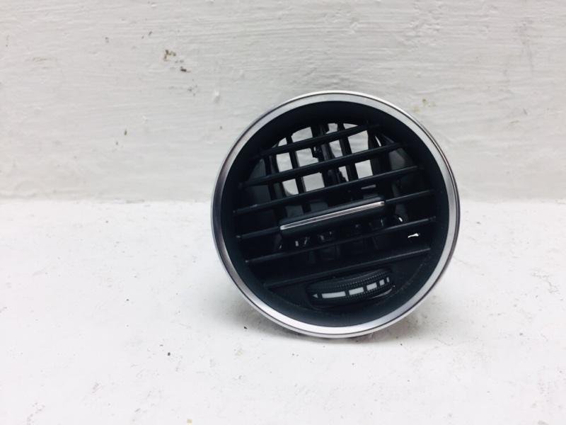 Дефлектор воздушный Mercedes C300 W204 3.5 2012 левый (б/у)