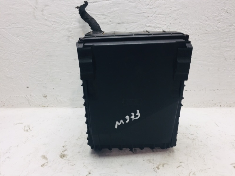 Блок предохранителей Volkswagen Passat B7 2.0 TDI (б/у)