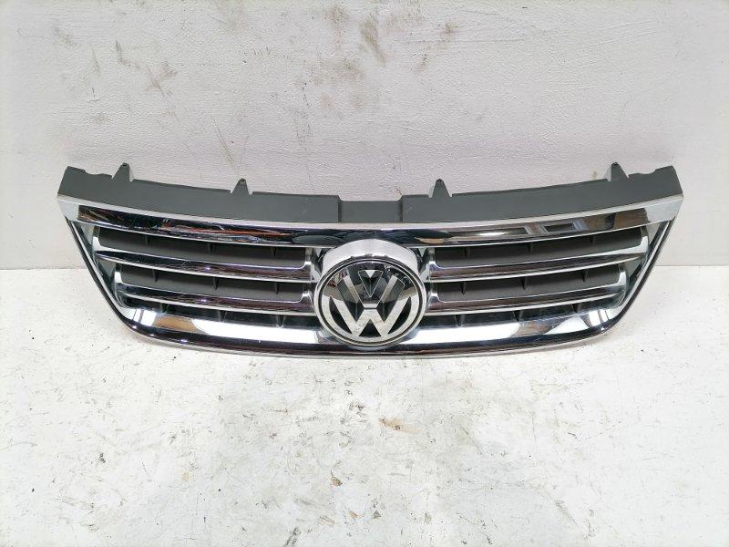 Решетка радиатора Volkswagen Touareg 2.5 TDI 2006 (б/у)