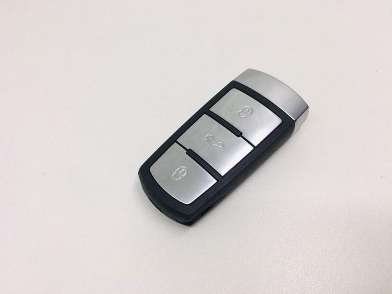 Смарт ключ зажигания Volkswagen Passat B6 2.0 TDI 2010 (б/у)