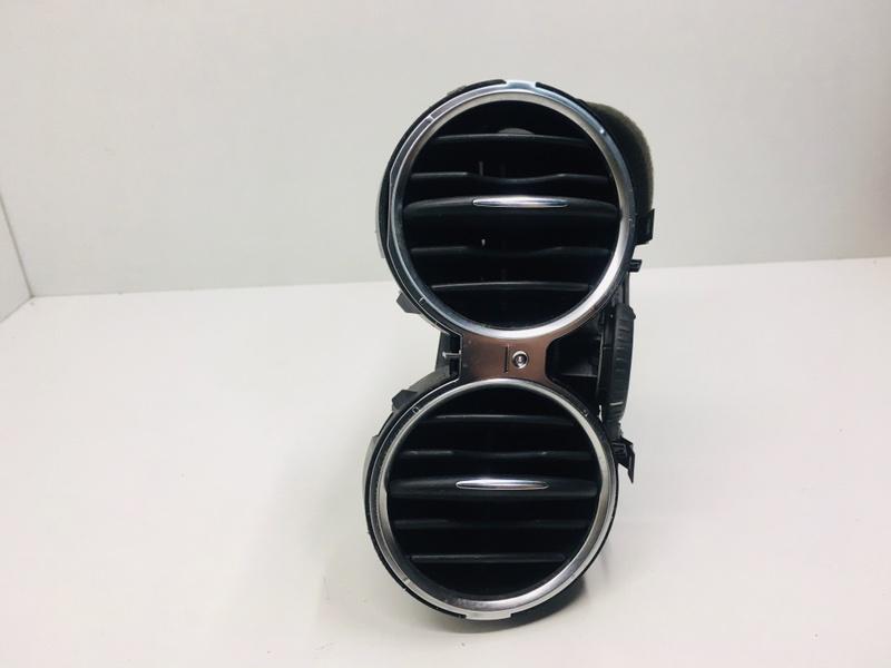 Дефлектор воздушный Volkswagen Tiguan 2.0 TDI 2010 правый (б/у)