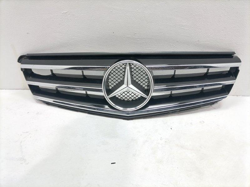 Решетка радиатора Mercedes C300 W204 3.5 2014 (б/у)