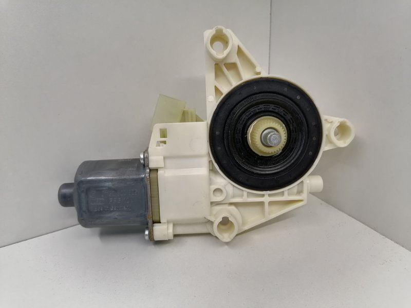 Мотор стеклоподъемника Mercedes E350 W212 3.0 CDI 2009 передний левый (б/у)