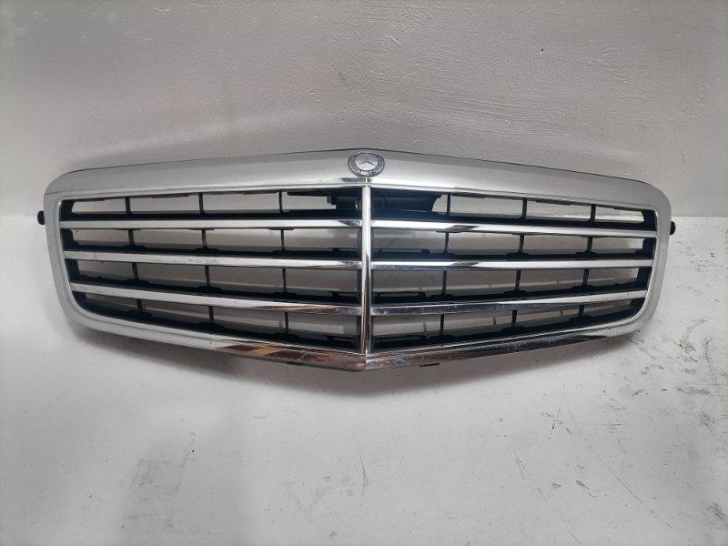 Решетка радиатора Mercedes E350 W212 3.0 CDI 2009 (б/у)