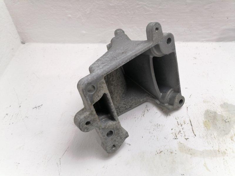 Кронштейн опоры двигателя Mercedes C300 W204 3.5 2012 (б/у)