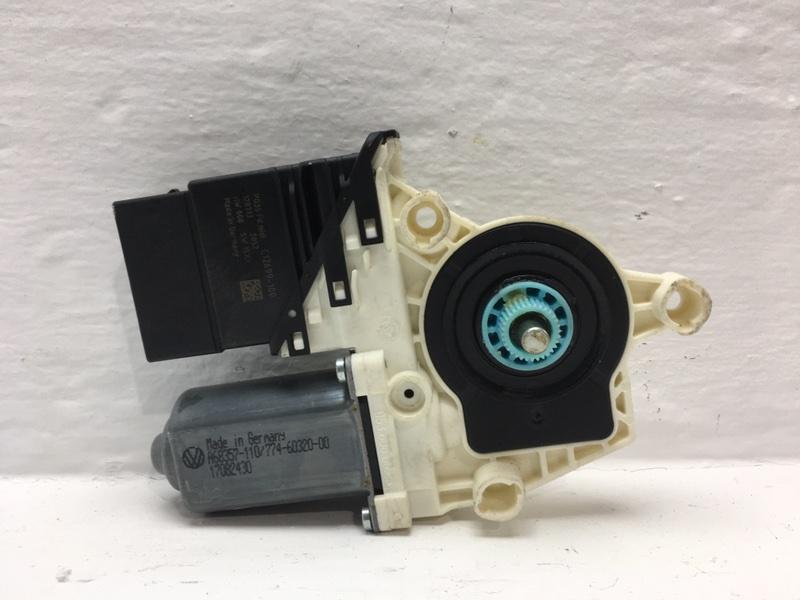 Мотор стеклоподъемника Volkswagen Tiguan 2.0 TFSI 2013 задний правый (б/у)