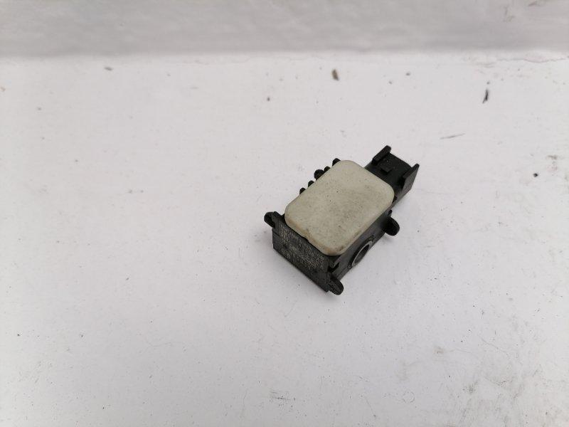 Датчик удара Ford Mondeo 2.0 TDCI 2009 (б/у)