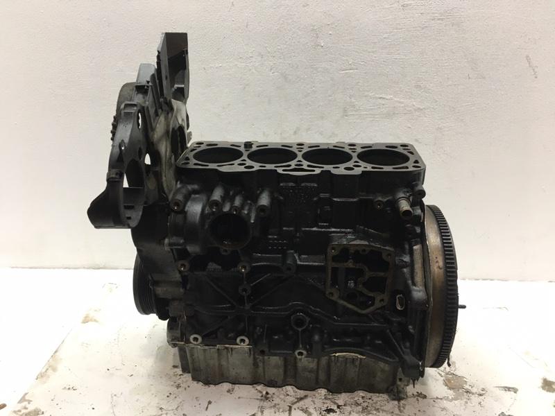 Блок цилиндров Volkswagen Passat B6 2.0 TDI 2009 (б/у)
