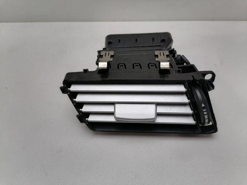Дефлектор воздушный Mercedes E350 W212 3.0 CDI 2009 левый (б/у)