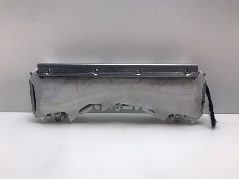 Подушка безопасности коленная Mercedes E350 W212 3.0 CDI 2009 (б/у)