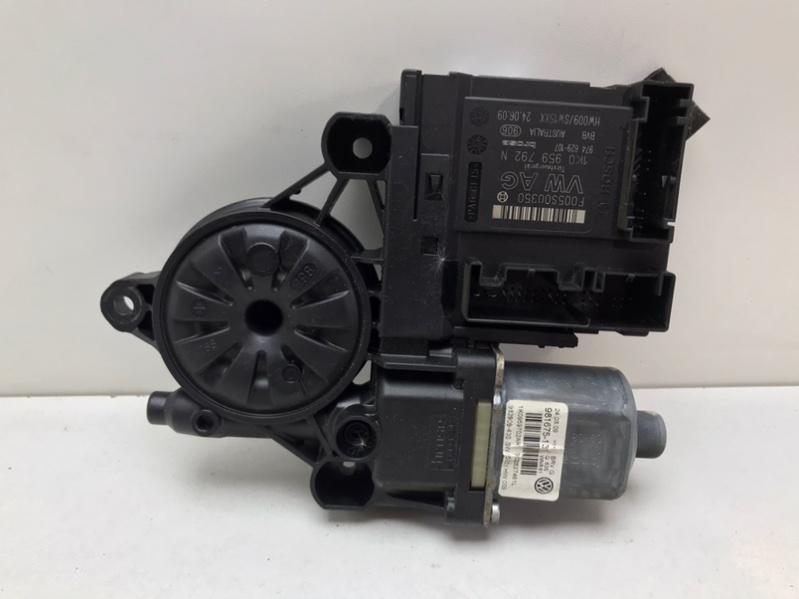 Мотор стеклоподъемника Volkswagen Passat B6 2.0 TDI 2009 передний левый (б/у)