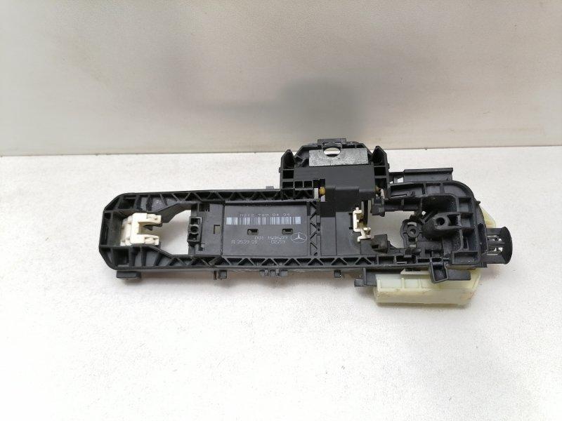 Кронштейн ручки Mercedes E350 W212 3.0 CDI 2009 задний правый (б/у)
