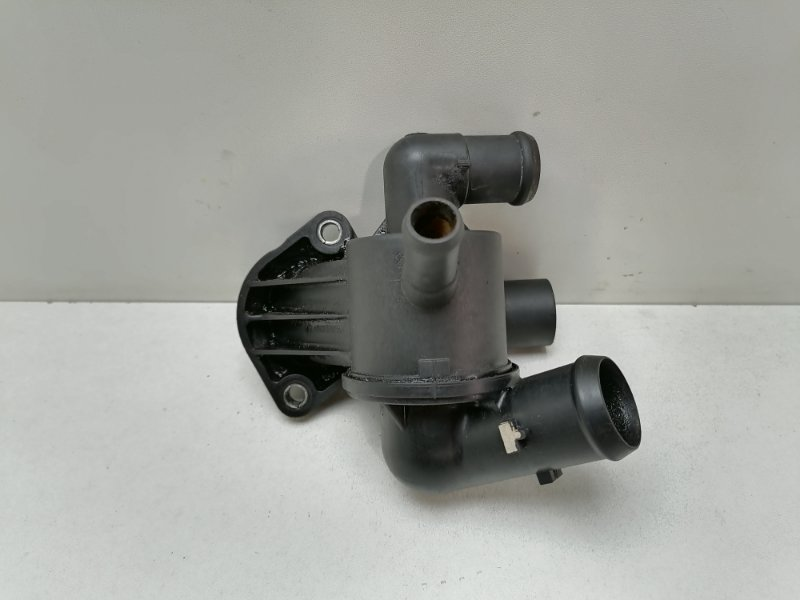 Термостат Volkswagen Passat Cc 2.0 TFSI 2010 (б/у)