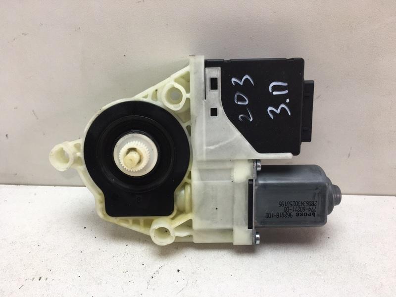 Мотор стеклоподъемника Volkswagen Passat B7 2.0 TDI 2011 задний правый (б/у)