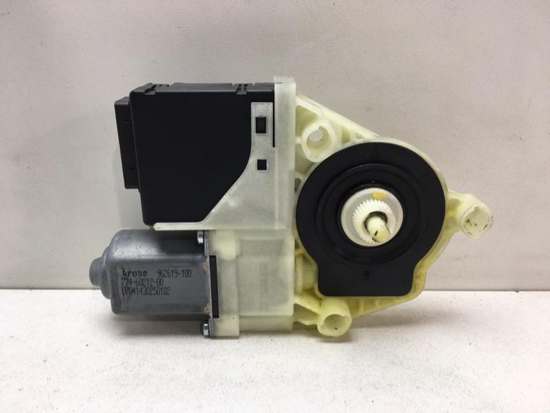 Мотор стеклоподъемника Volkswagen Passat B7 2.0 TDI 2011 задний левый (б/у)