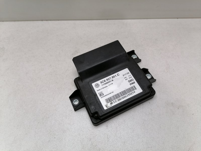 Блок управления стояночным тормозом Volkswagen Passat B6 2.0 TDI 2009 (б/у)