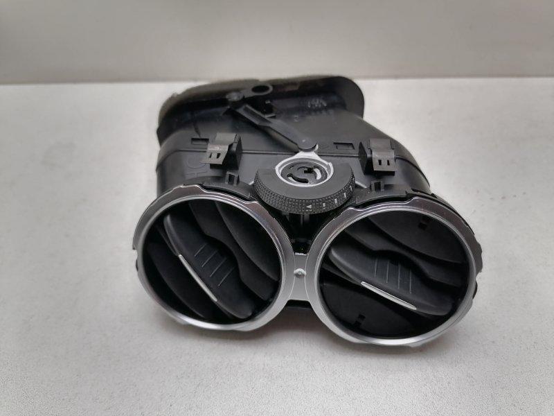 Дефлектор воздушный Volkswagen Tiguan 2.0 TDI 2012 правый (б/у)