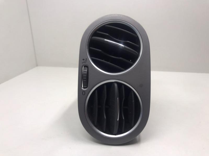 Дефлектор воздушный Volkswagen Tiguan 2.0 TDI 2009 передний правый (б/у)