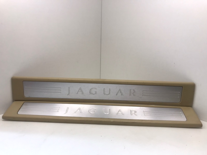 Комплект накладок порога Jaguar Xf 3.0 D 2009 (б/у)