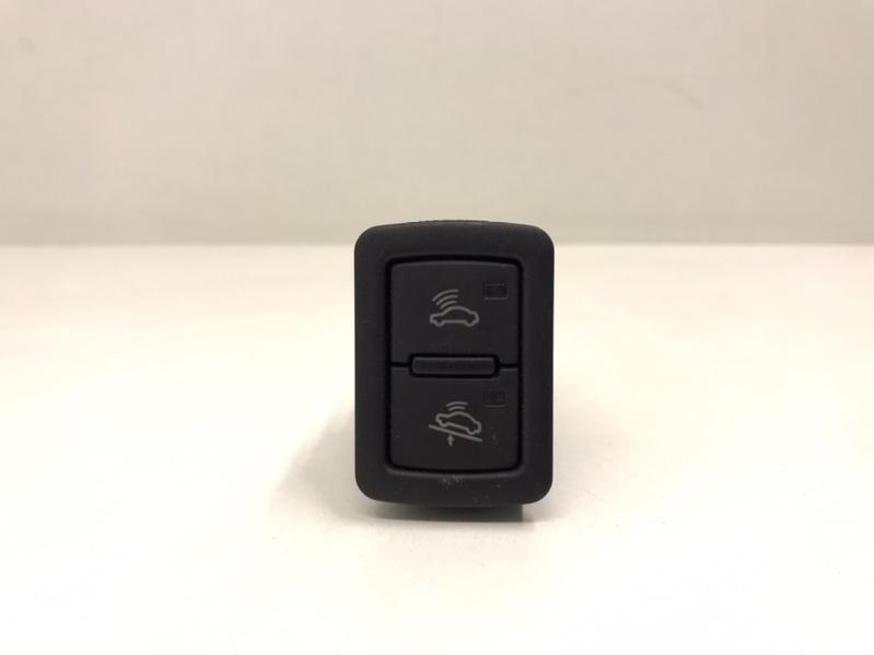 Кнопка сигнализации Audi A4 B8 2.0 TFSI (б/у)