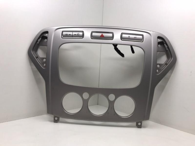 Рамка магнитолы Ford Mondeo 1.8 2008 (б/у)