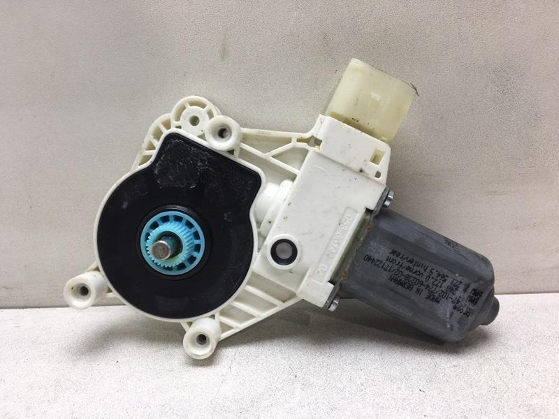 Мотор стеклоподъемника Bmw F10 2.0 D 2013 задний правый (б/у)